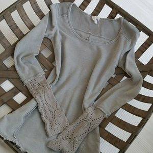 Tops - Gray waffle weave shirt